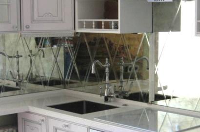 Зеркальный фартук